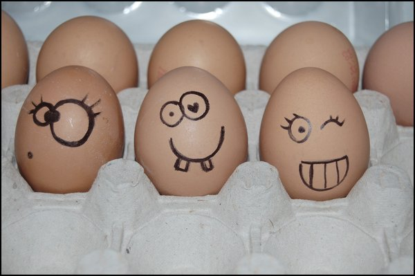 Happy_eggs_by_We_lie-1