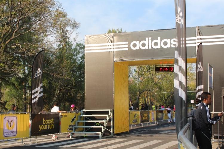 Carrera Adidas Split 9K meta foto