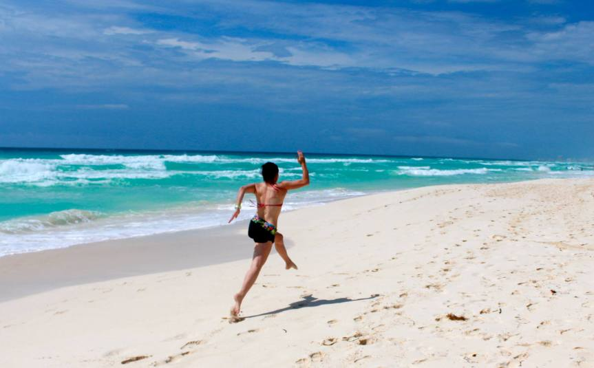 running runner beach playa cancun mar sea fitspo