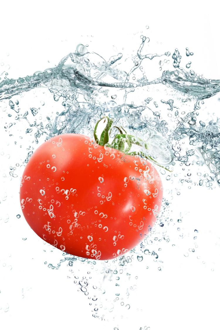 Vegetables+in+water+(4)